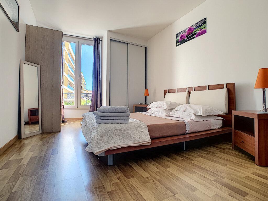 Appartement à vendre 3 62.06m2 à Cannes vignette-3