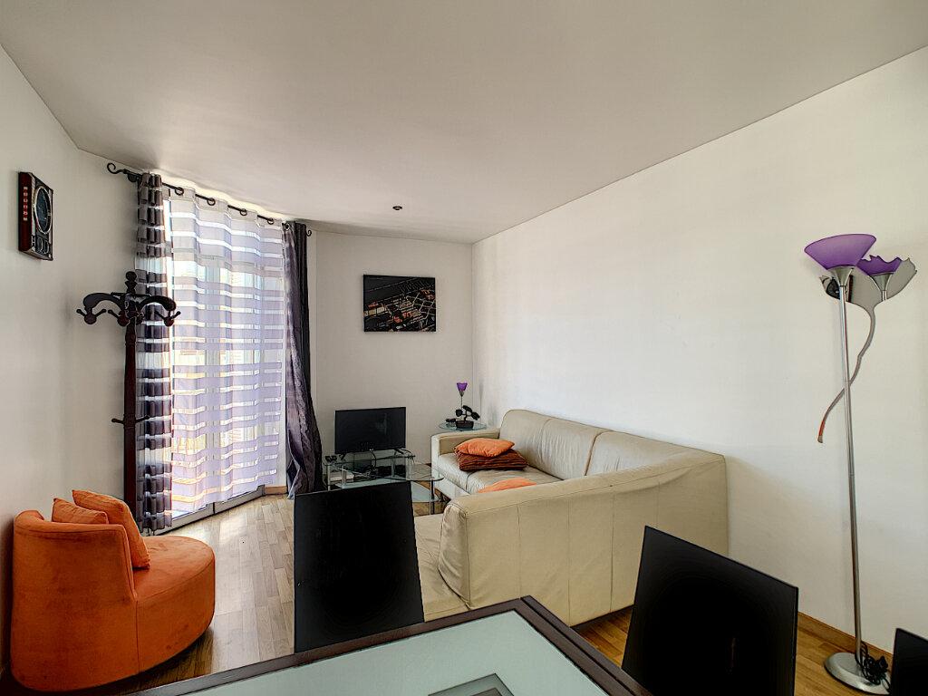 Appartement à vendre 3 62.06m2 à Cannes vignette-5