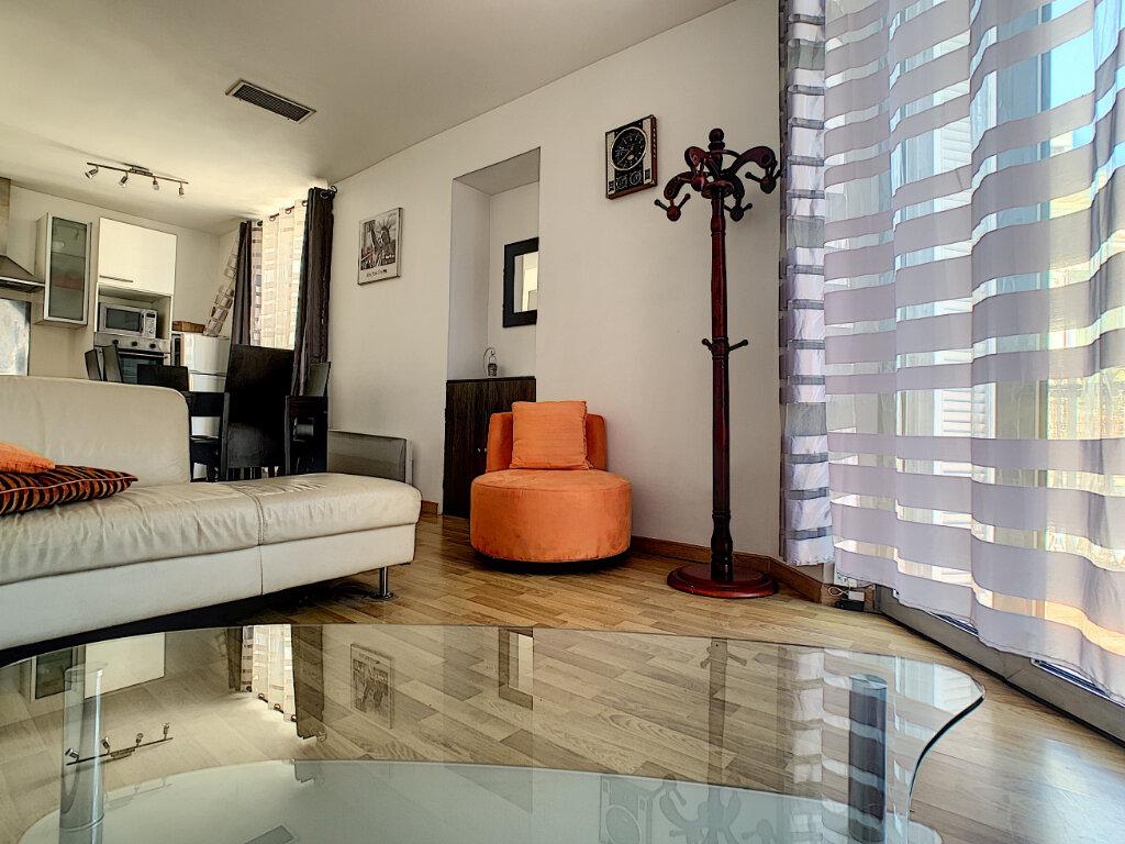 Appartement à vendre 3 62.06m2 à Cannes vignette-7