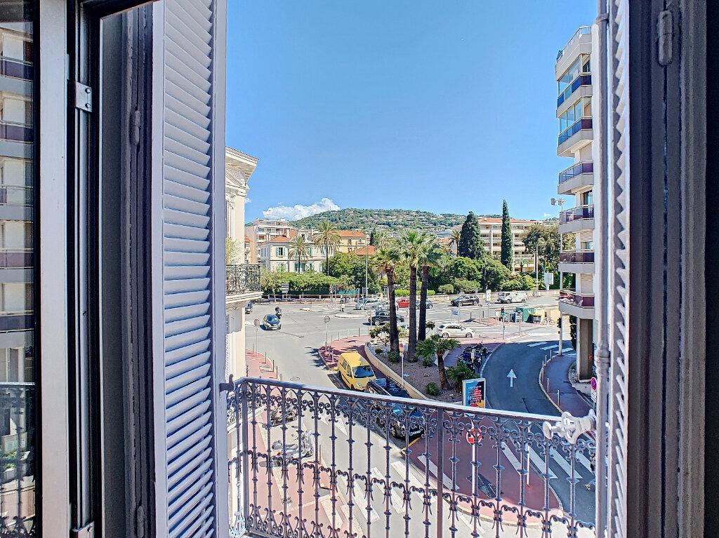 Appartement à vendre 3 62.06m2 à Cannes vignette-9