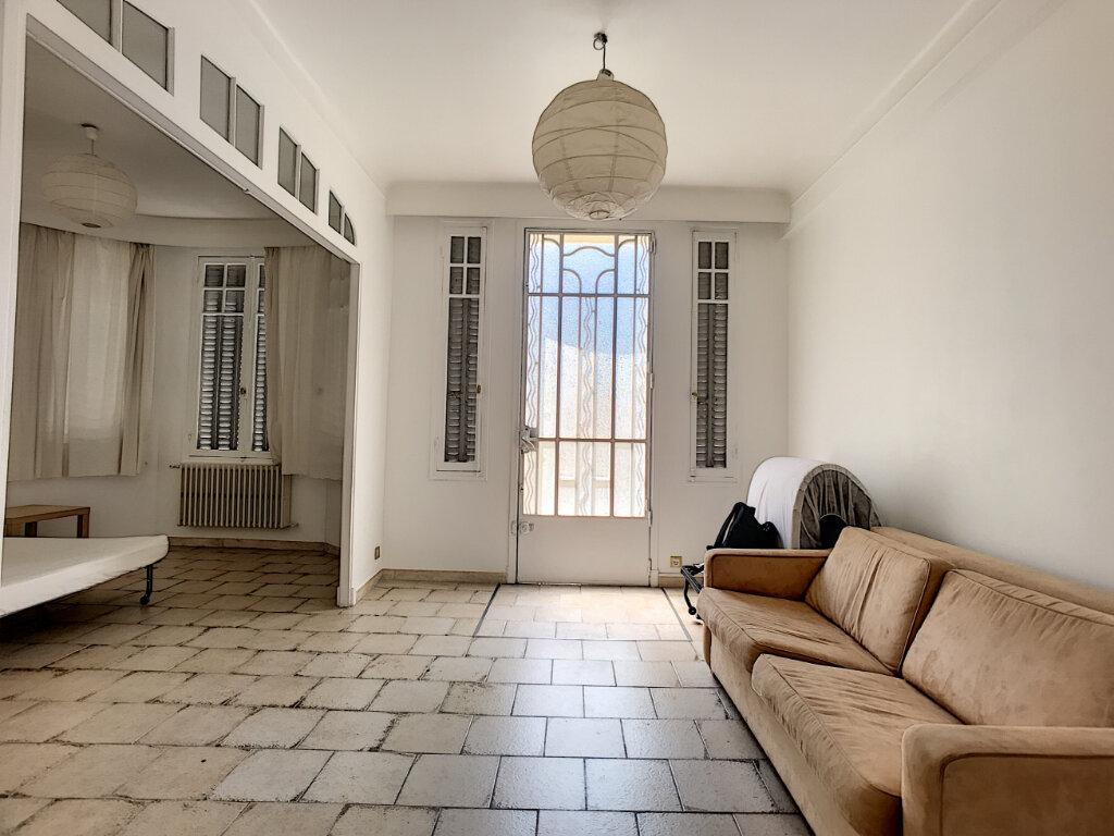 Appartement à vendre 3 83.4m2 à Cannes vignette-2