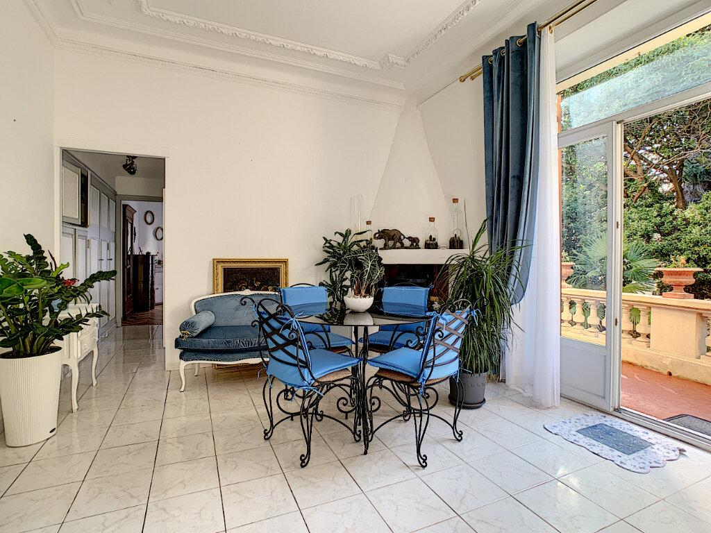 Appartement à vendre 3 77.39m2 à Cannes vignette-1