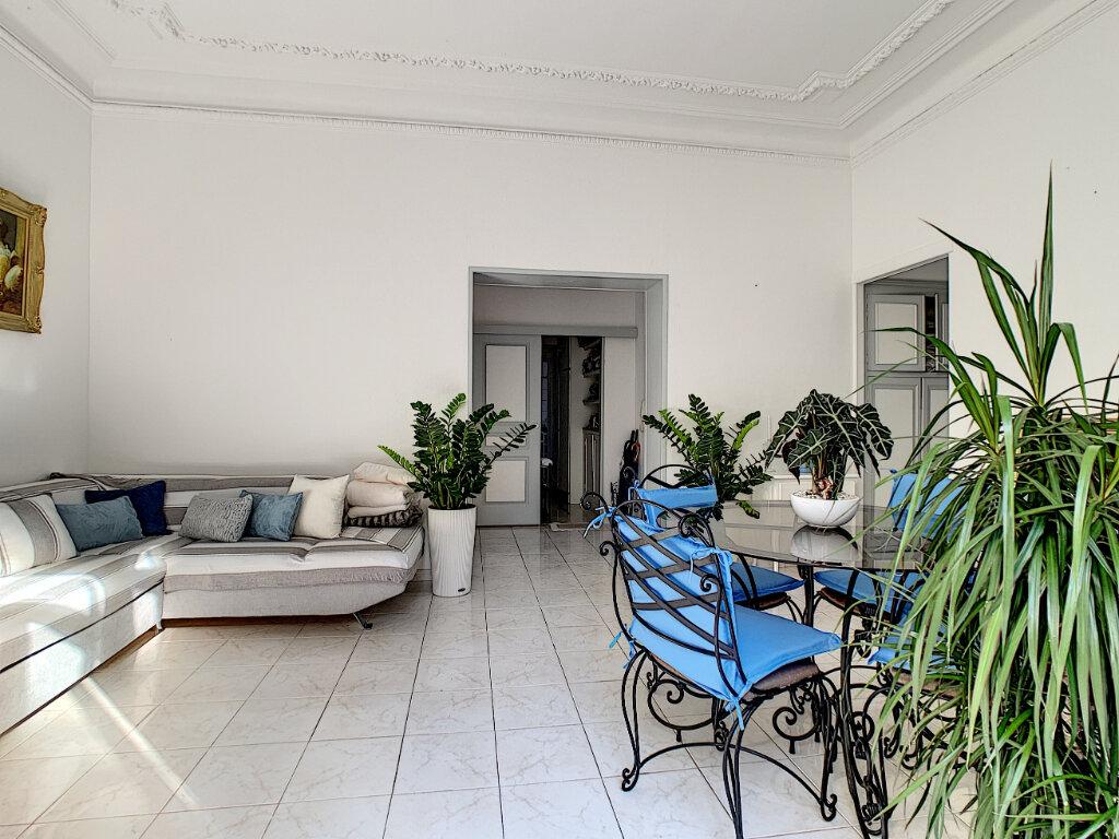 Appartement à vendre 3 77.39m2 à Cannes vignette-2