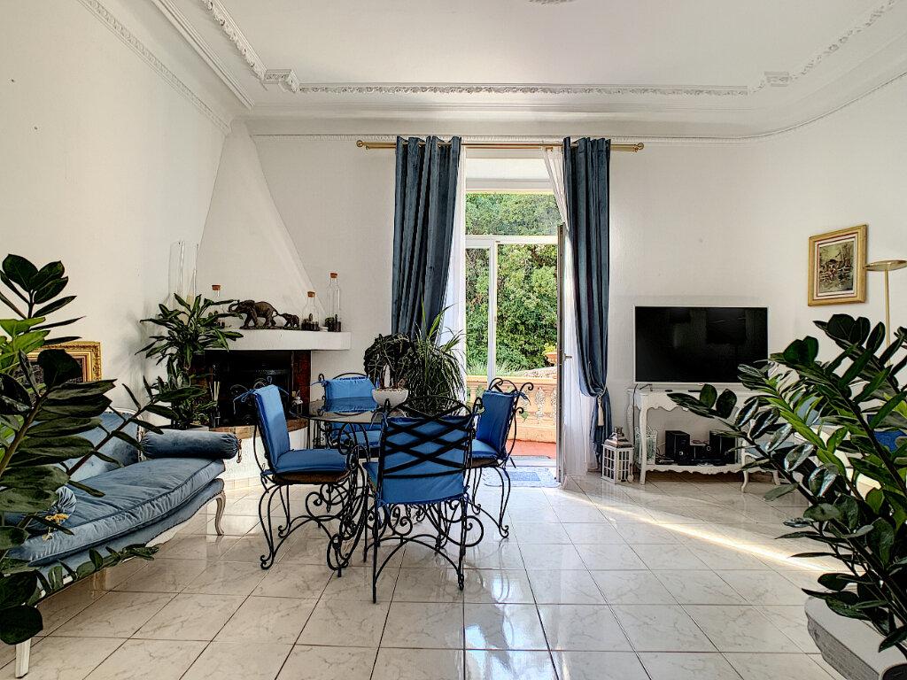 Appartement à vendre 3 77.39m2 à Cannes vignette-6