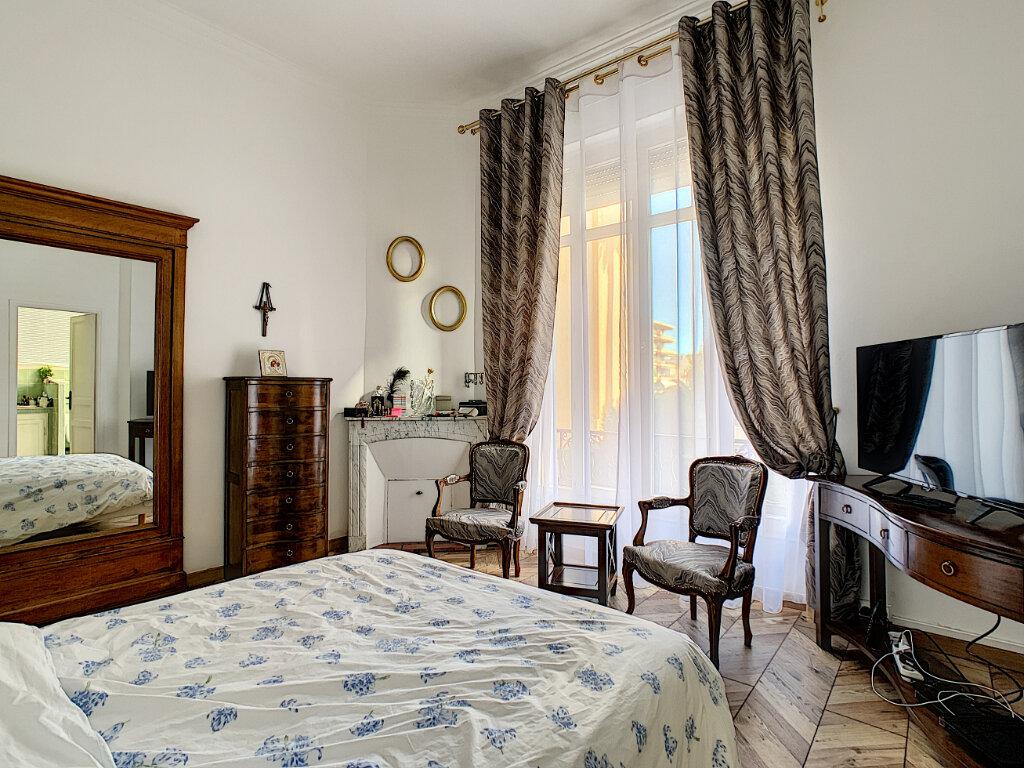 Appartement à vendre 3 77.39m2 à Cannes vignette-14