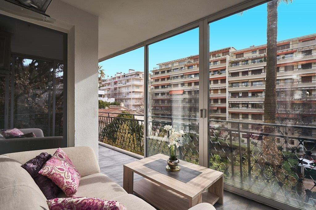 Appartement à vendre 3 61.45m2 à Cannes vignette-2