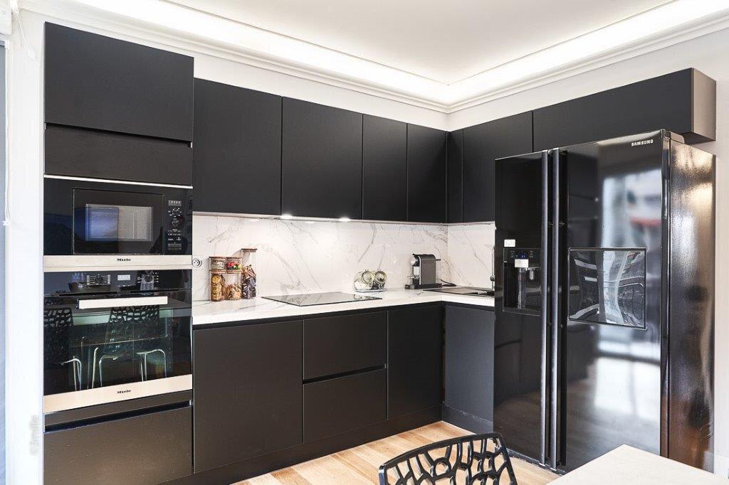 Appartement à vendre 3 61.45m2 à Cannes vignette-6
