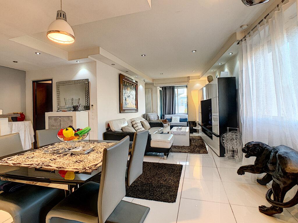 Appartement à vendre 3 68.51m2 à Cannes vignette-1