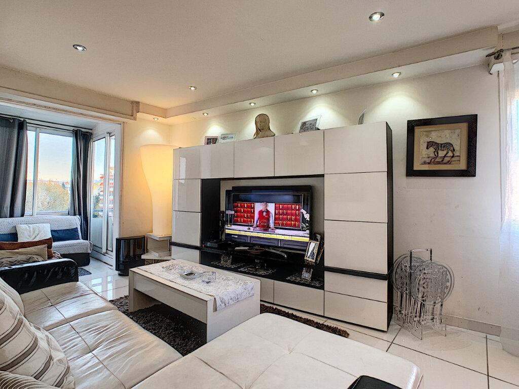 Appartement à vendre 3 68.51m2 à Cannes vignette-2