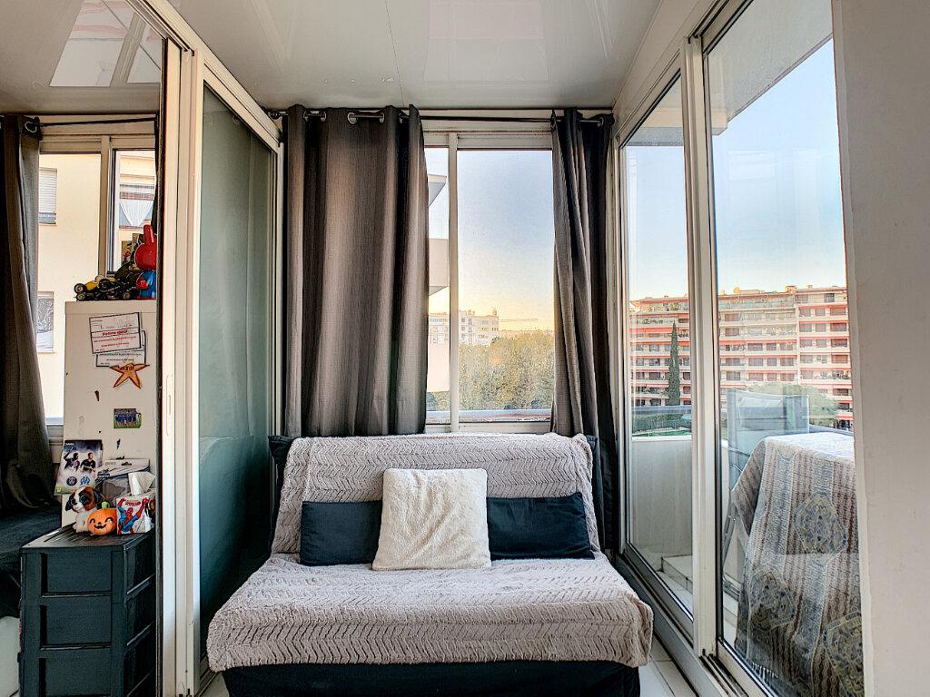 Appartement à vendre 3 68.51m2 à Cannes vignette-4