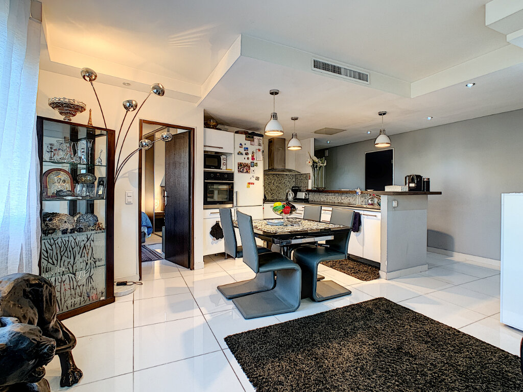Appartement à vendre 3 68.51m2 à Cannes vignette-5