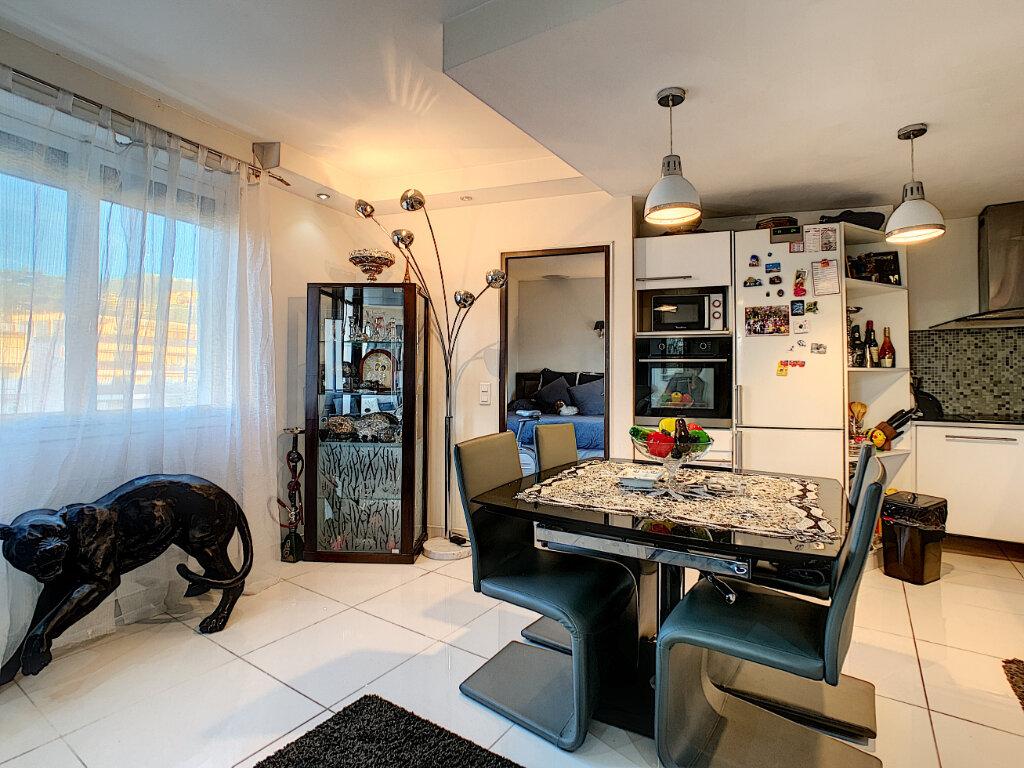 Appartement à vendre 3 68.51m2 à Cannes vignette-13