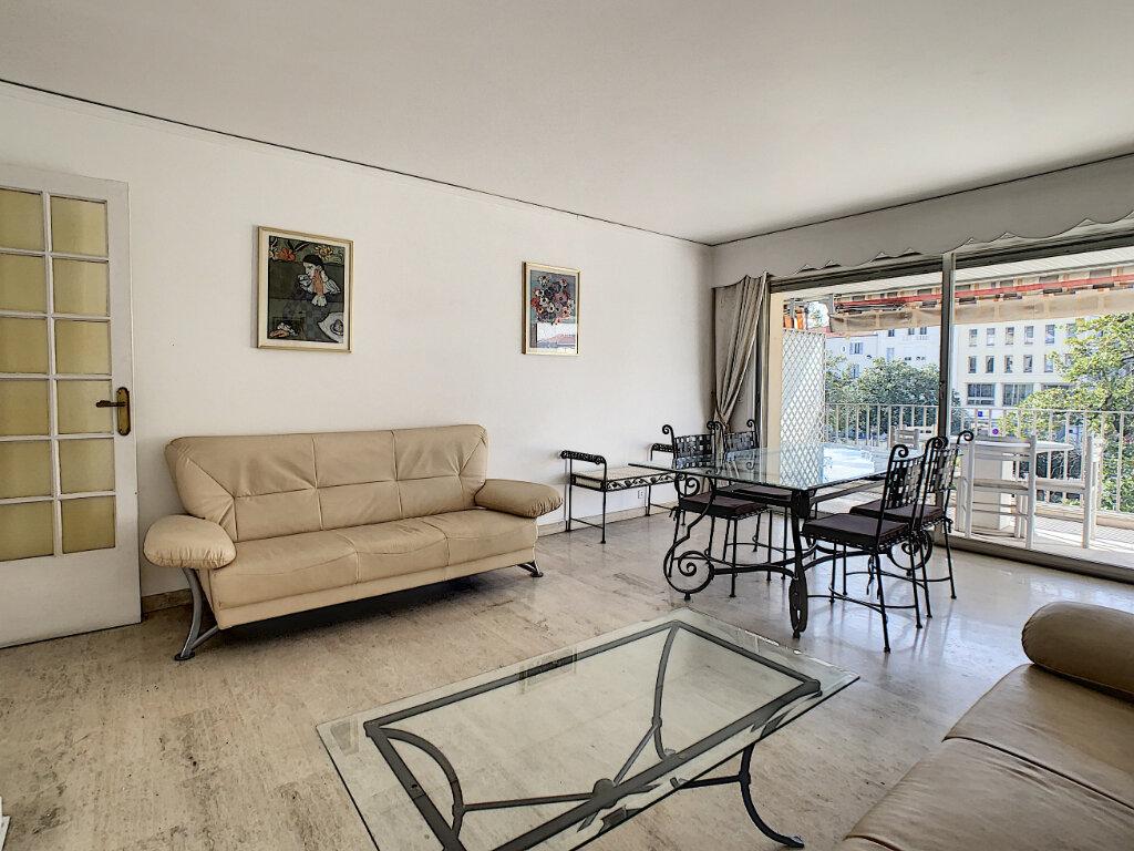 Appartement à vendre 3 67.44m2 à Cannes vignette-3
