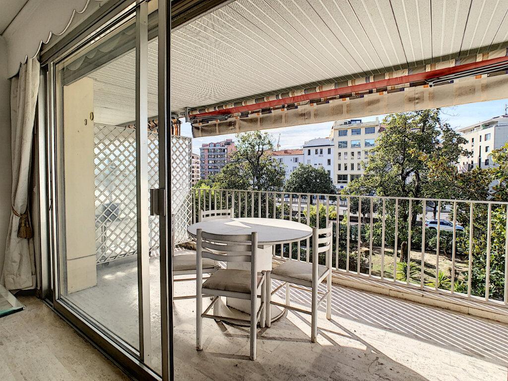 Appartement à vendre 3 67.44m2 à Cannes vignette-4