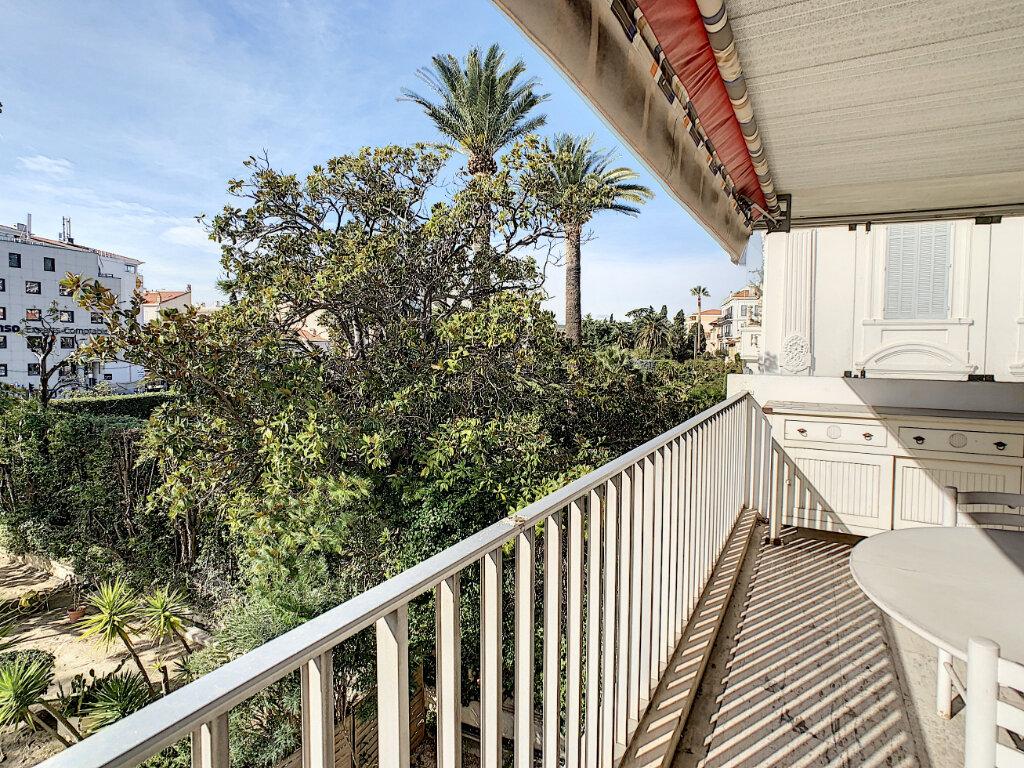 Appartement à vendre 3 67.44m2 à Cannes vignette-8