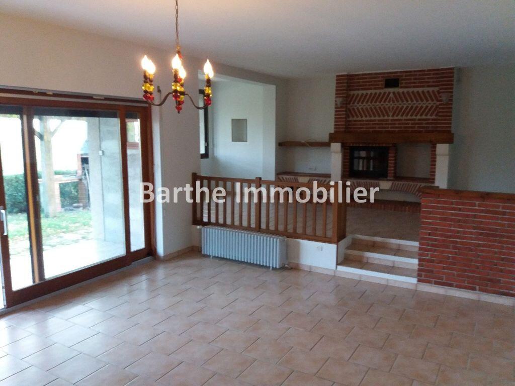 Maison à louer 5 130m2 à Castelnau-de-Lévis vignette-4