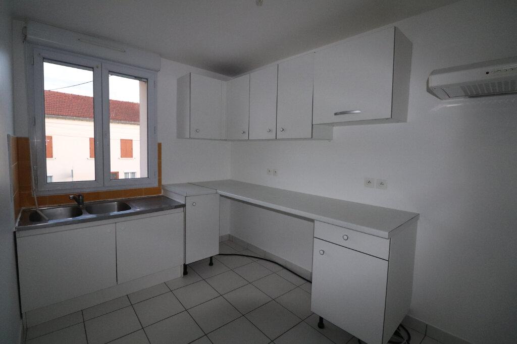 Appartement à louer 4 78.08m2 à Penchard vignette-1