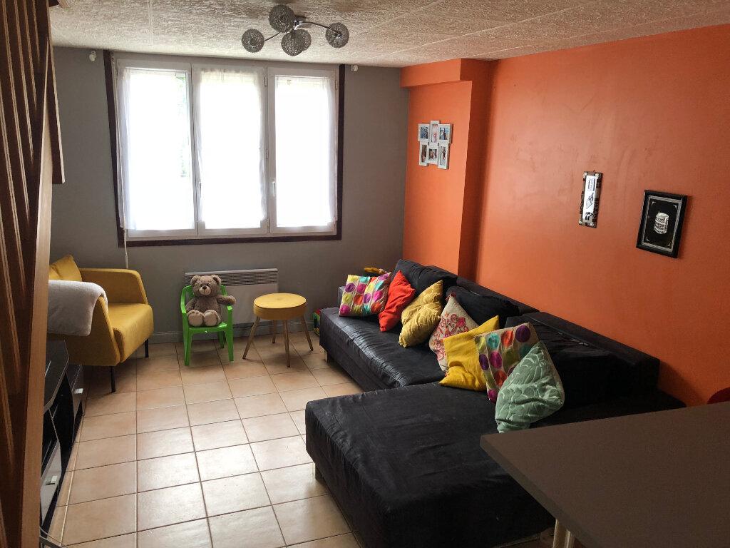 Appartement à louer 3 60.49m2 à Oissery vignette-1
