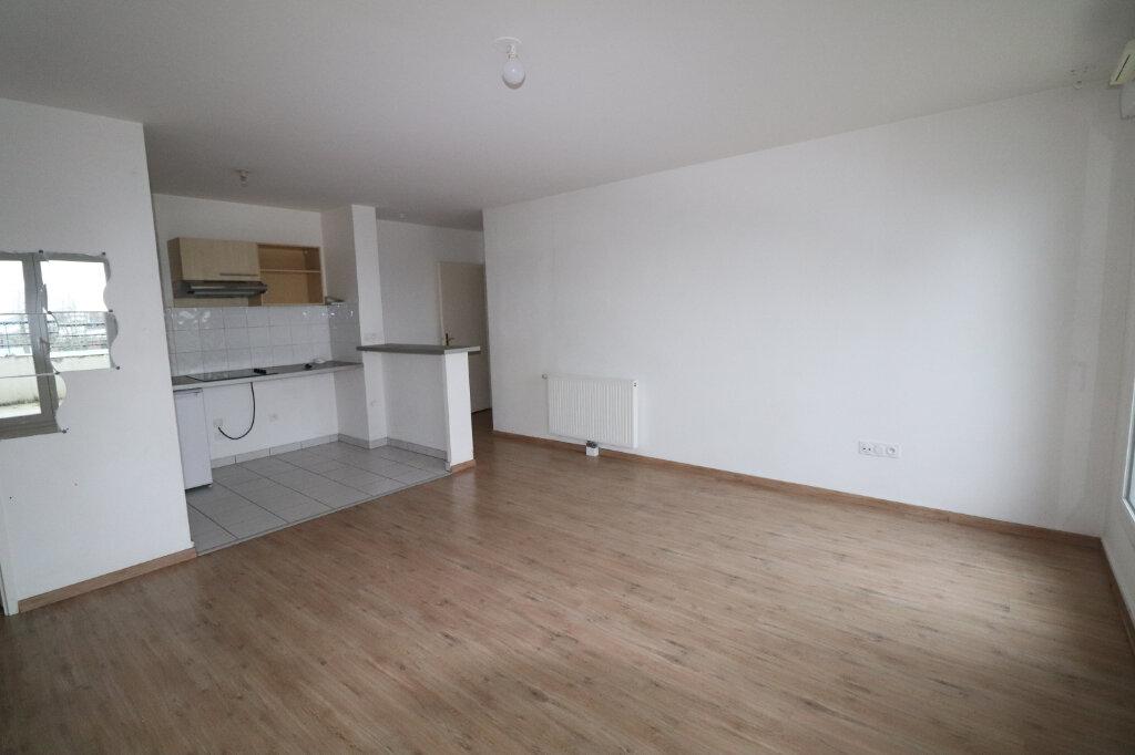 Appartement à louer 3 65.04m2 à Meaux vignette-2
