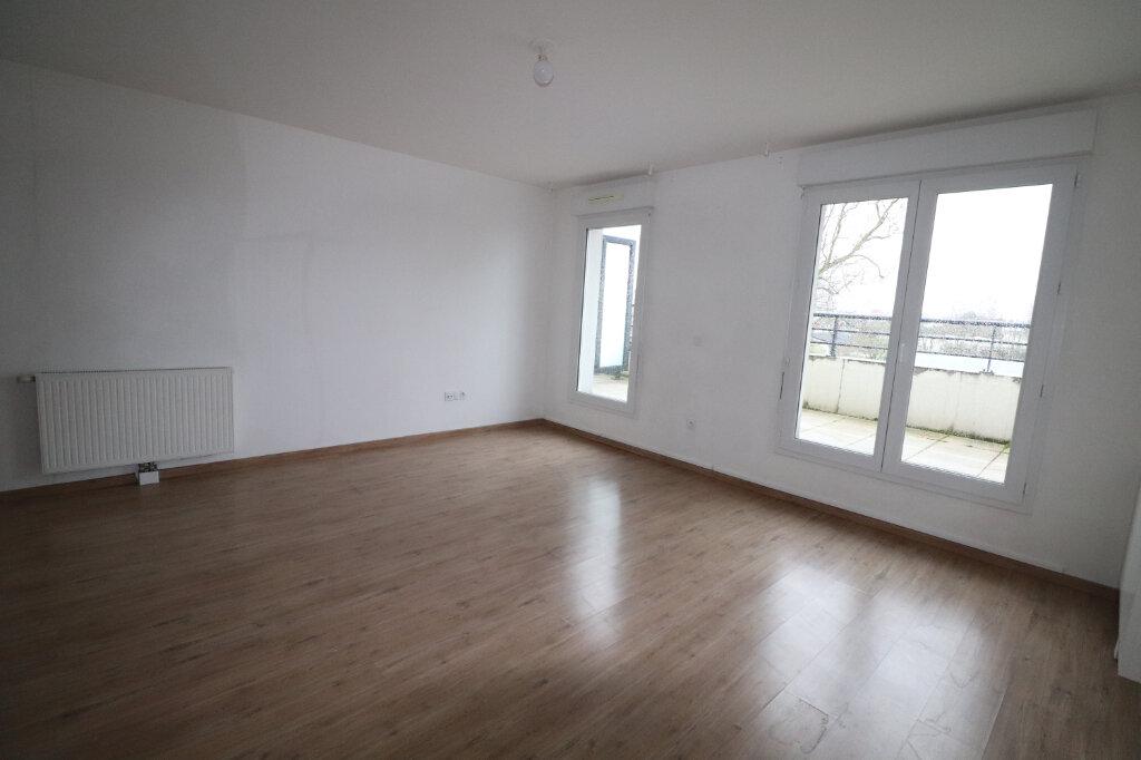 Appartement à louer 3 65.04m2 à Meaux vignette-3