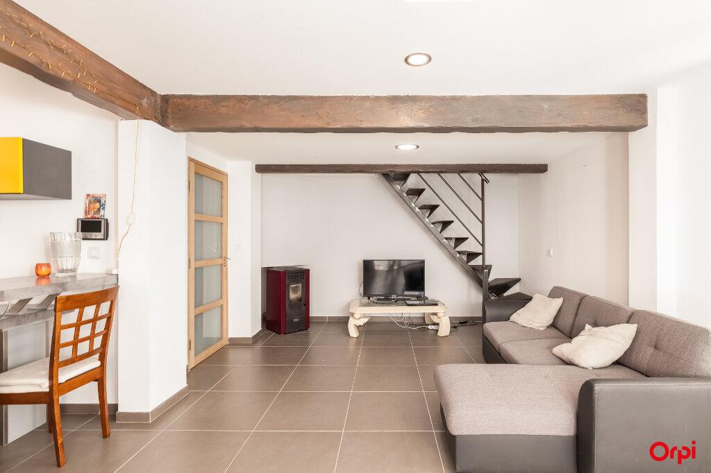 Maison à vendre 7 160m2 à Châteaurenard vignette-1