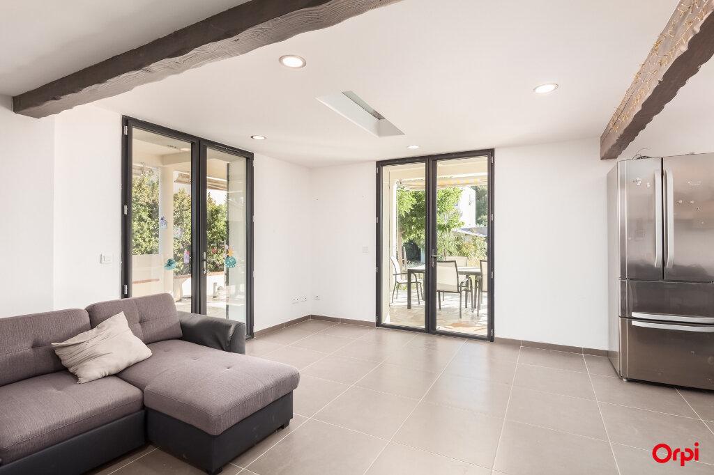 Maison à vendre 7 160m2 à Châteaurenard vignette-3