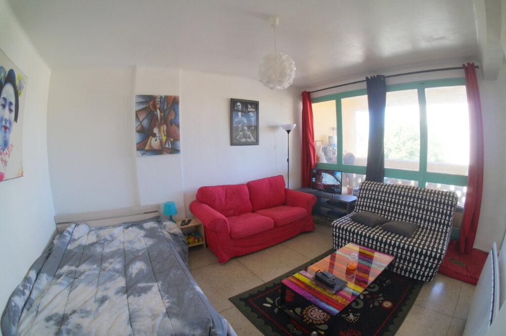 Appartement à louer 1 36m2 à Marseille 4 vignette-1