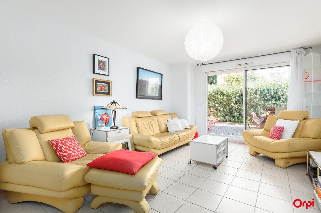 Appartement à vendre 3 72m2 à Marseille 7 vignette-2