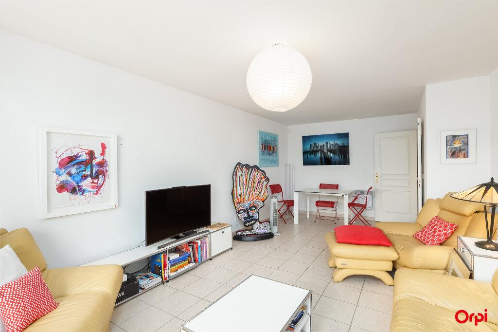Appartement à vendre 3 72m2 à Marseille 7 vignette-3