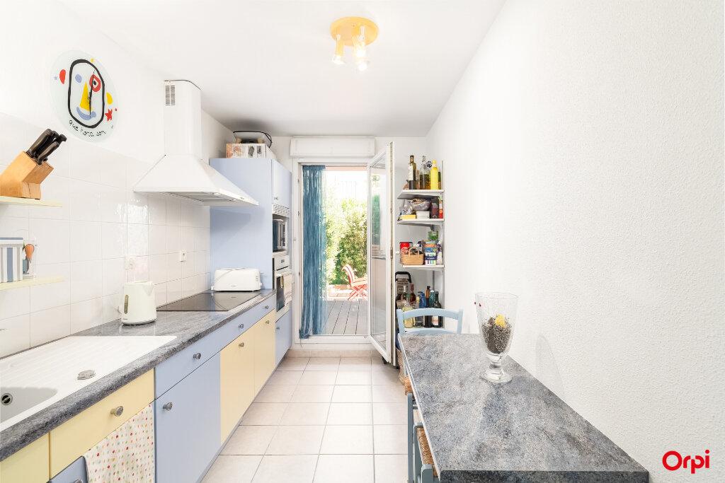 Appartement à vendre 3 72m2 à Marseille 7 vignette-4