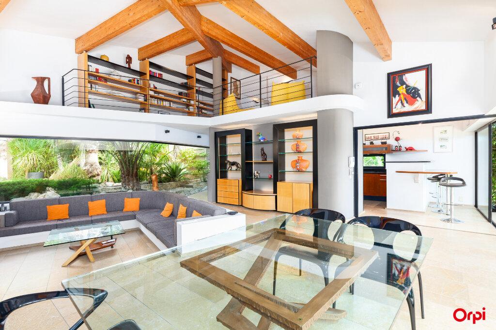 Maison à vendre 5 240m2 à Aubagne vignette-2