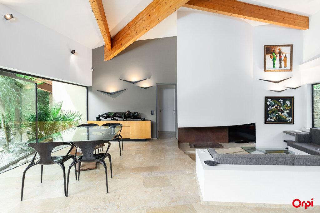 Maison à vendre 5 240m2 à Aubagne vignette-3