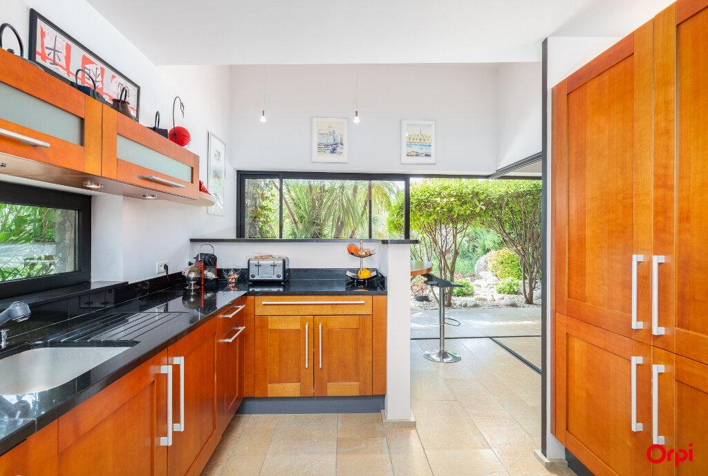 Maison à vendre 5 240m2 à Aubagne vignette-4