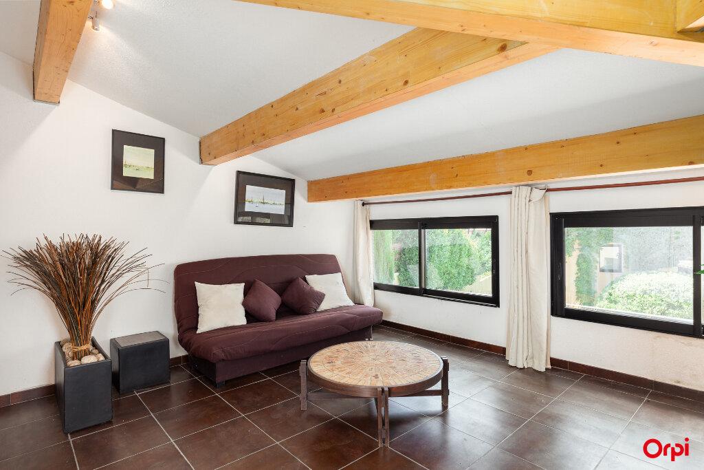 Maison à vendre 5 240m2 à Aubagne vignette-10