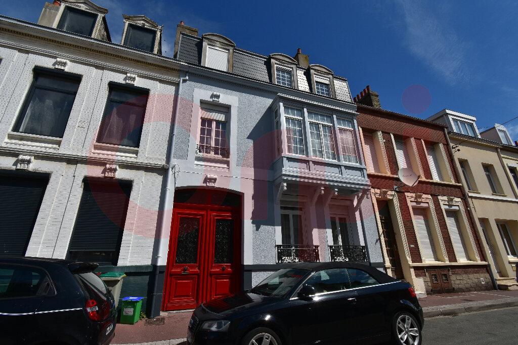 Maison à vendre 7 225m2 à Calais vignette-1