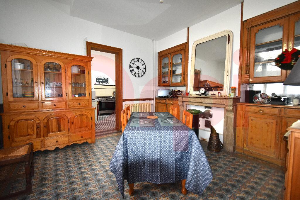 Maison à vendre 7 225m2 à Calais vignette-3