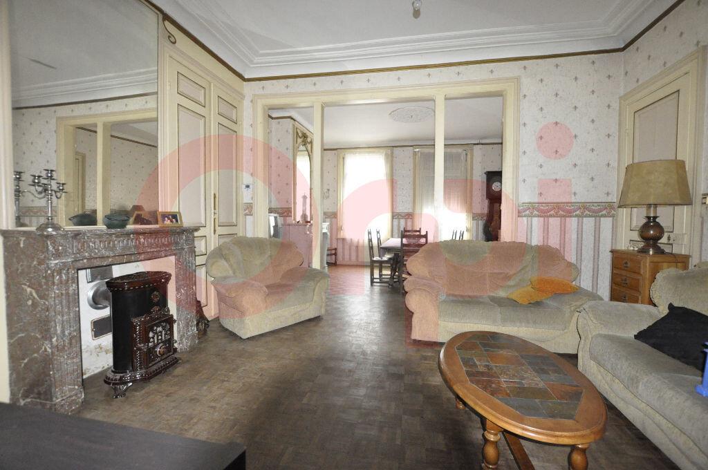 Maison à vendre 7 225m2 à Calais vignette-4