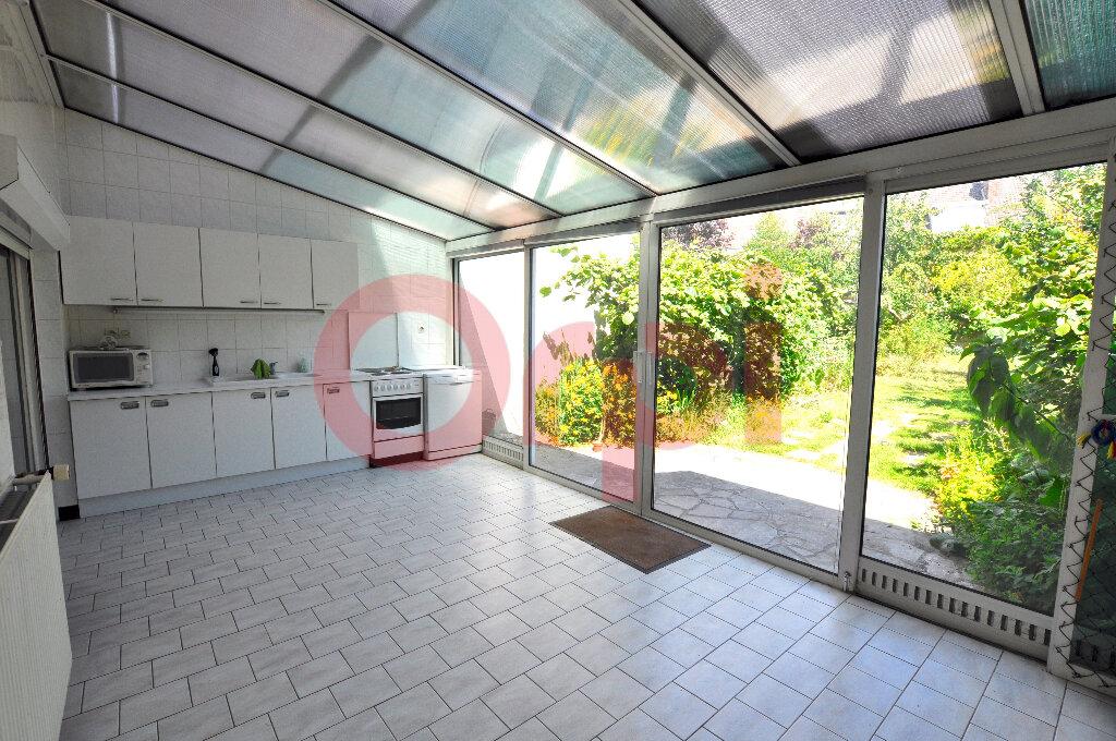 Maison à vendre 4 130m2 à Calais vignette-1