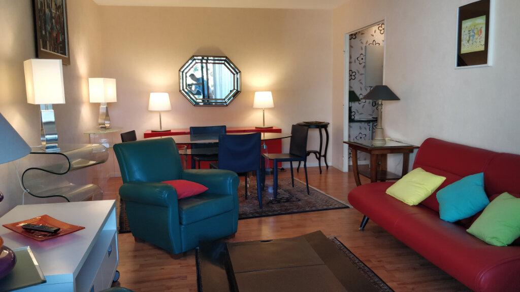 Appartement à louer 3 67m2 à Bordeaux vignette-2
