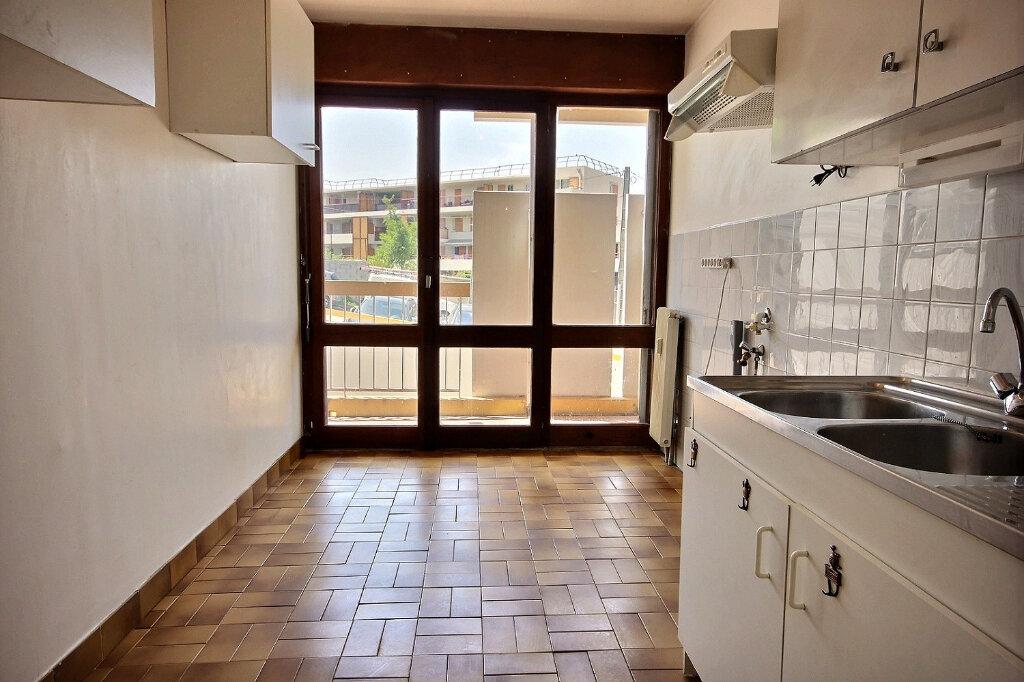 Appartement à louer 2 49m2 à Marseille 12 vignette-3