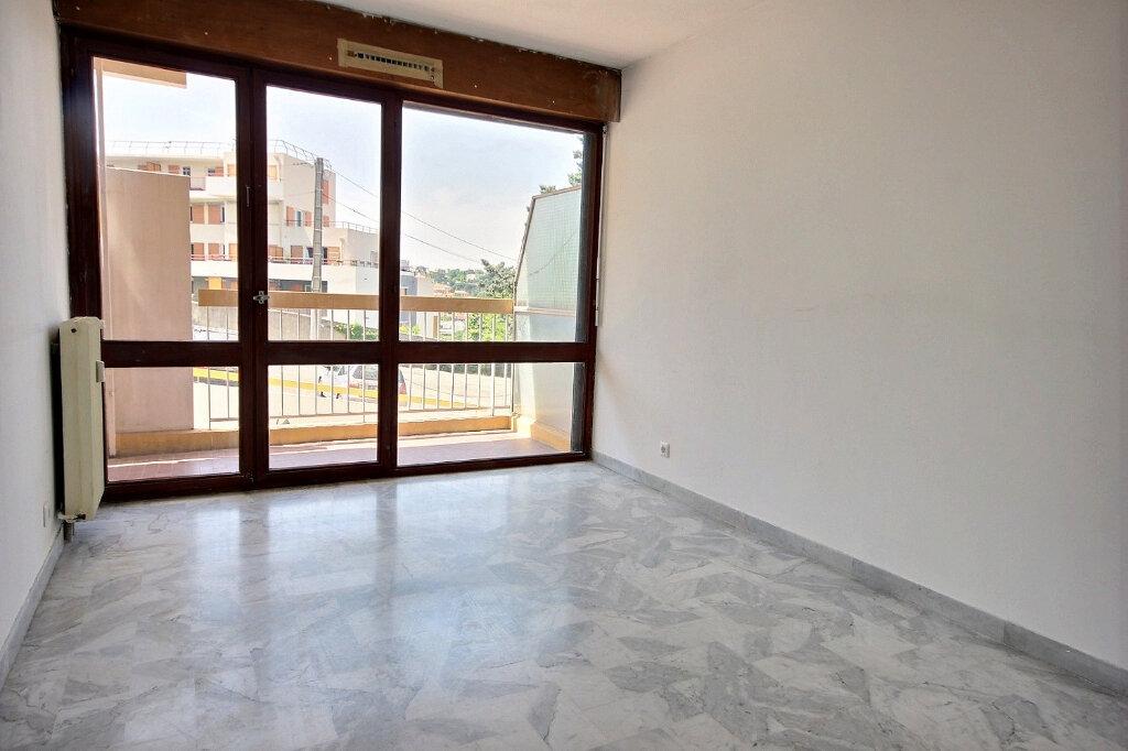 Appartement à louer 2 49m2 à Marseille 12 vignette-4