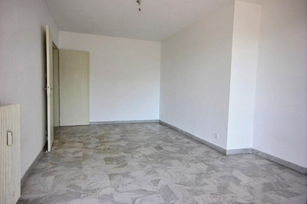 Appartement à louer 2 49m2 à Marseille 12 vignette-6