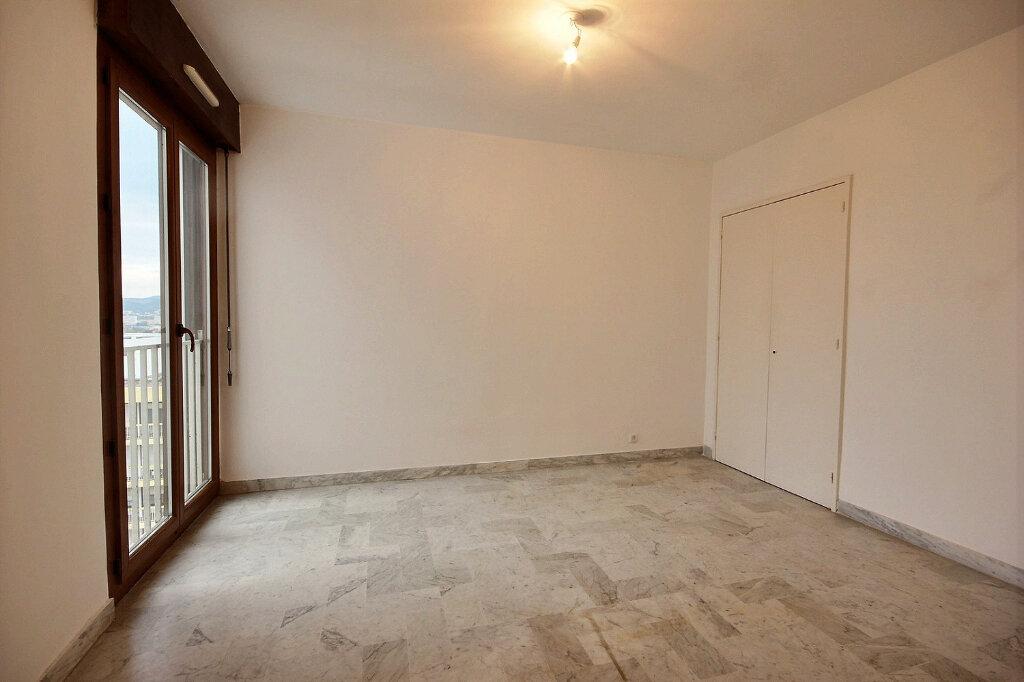 Appartement à louer 4 100.32m2 à Marseille 12 vignette-6
