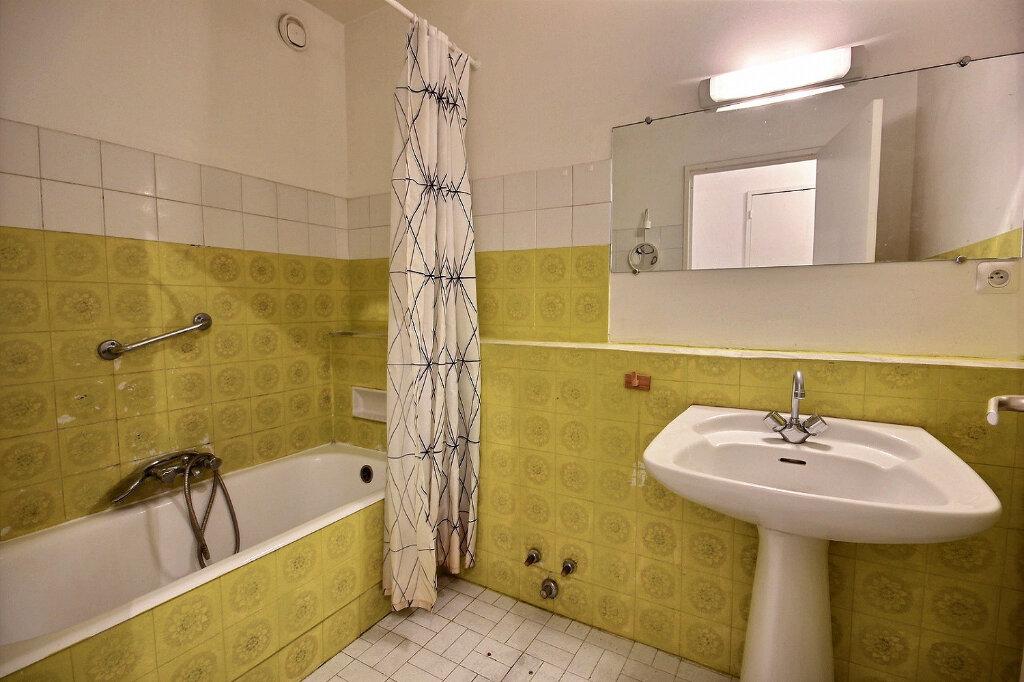 Appartement à louer 4 100.32m2 à Marseille 12 vignette-7