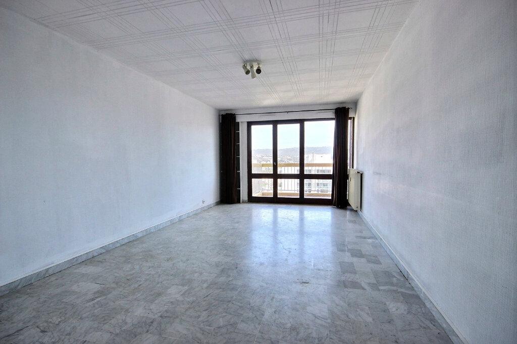 Appartement à louer 4 84.38m2 à Marseille 12 vignette-2