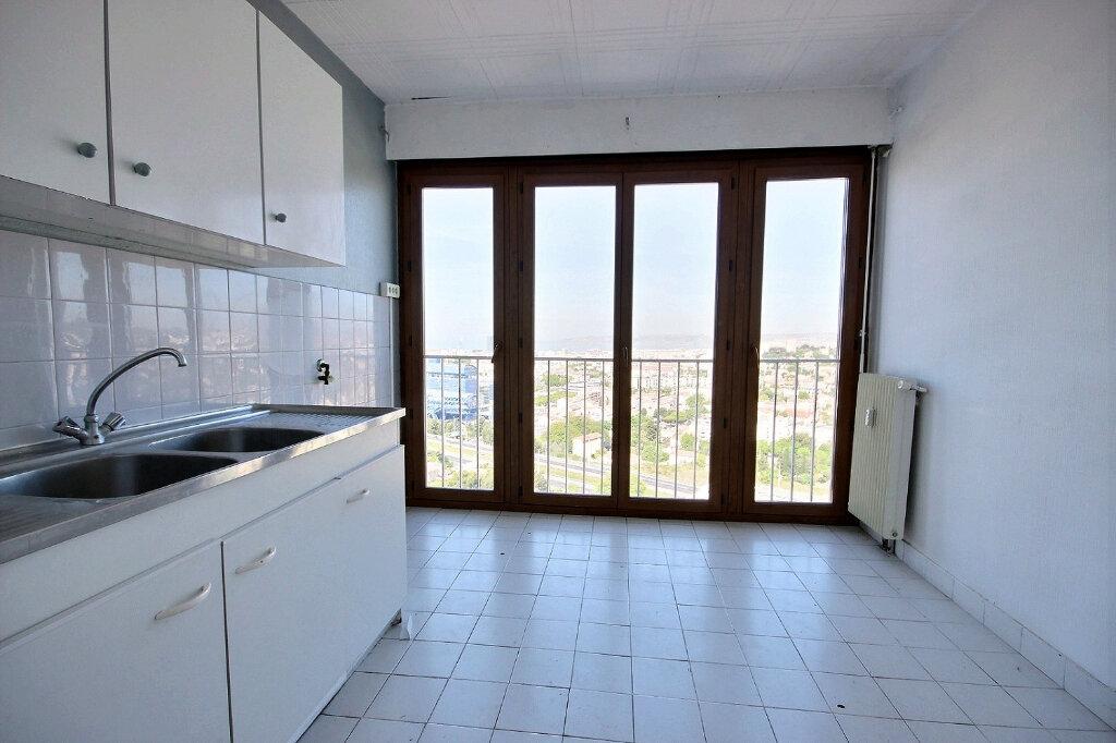 Appartement à louer 4 84.38m2 à Marseille 12 vignette-4