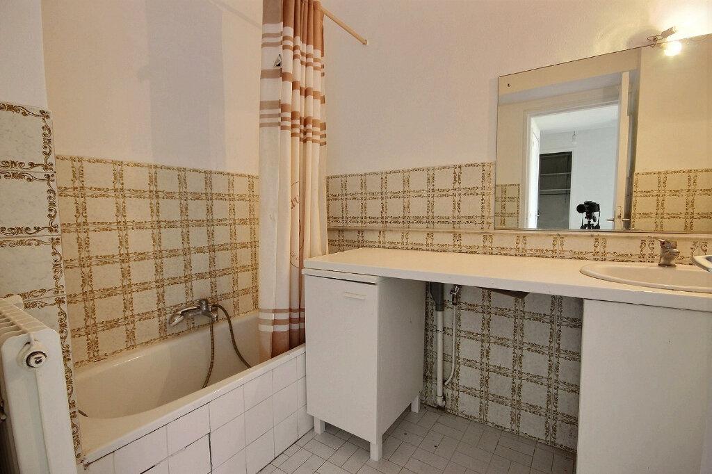 Appartement à louer 4 84.38m2 à Marseille 12 vignette-7