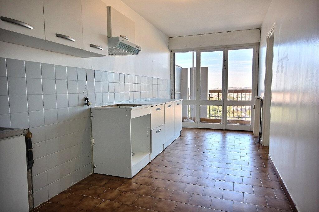 Appartement à louer 4 100.32m2 à Marseille 12 vignette-4