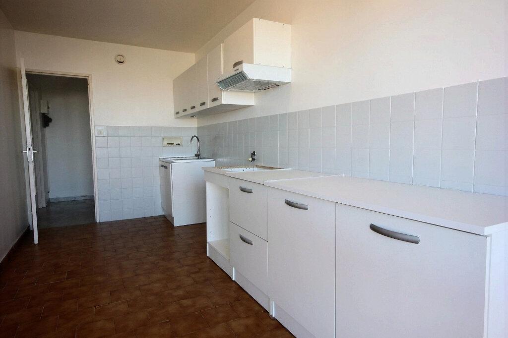 Appartement à louer 4 100.32m2 à Marseille 12 vignette-5