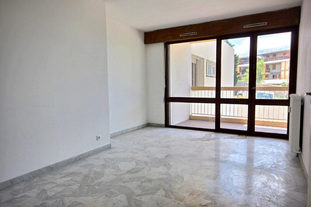 Appartement à louer 2 49m2 à Marseille 13 vignette-2